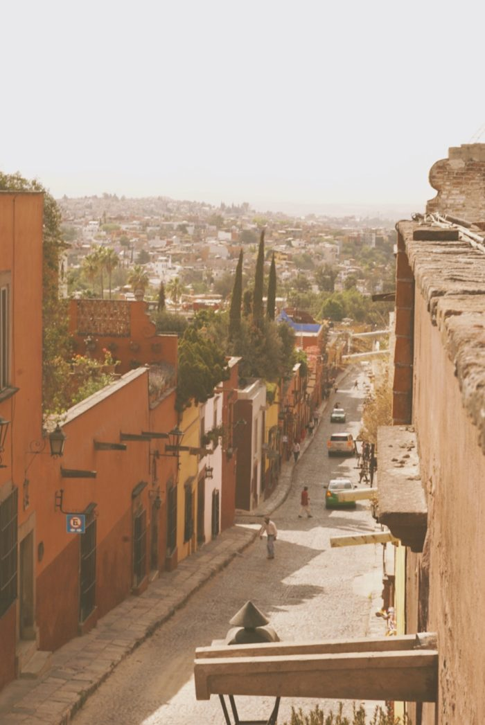 san miguel de allende - terrace view of the street - coffee shop - street photography