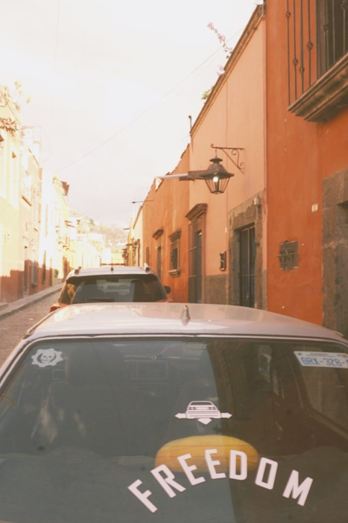 san miguel de allende - street - freedom - car - street photography - retro - mexico